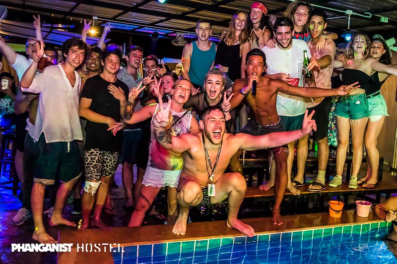 Full moon party at Phanganist hostel