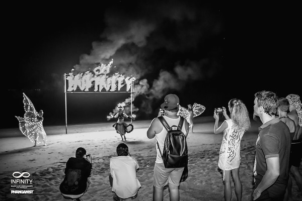 Infinity Beach Club Quartz & Roses Art Festival 15 December 2019