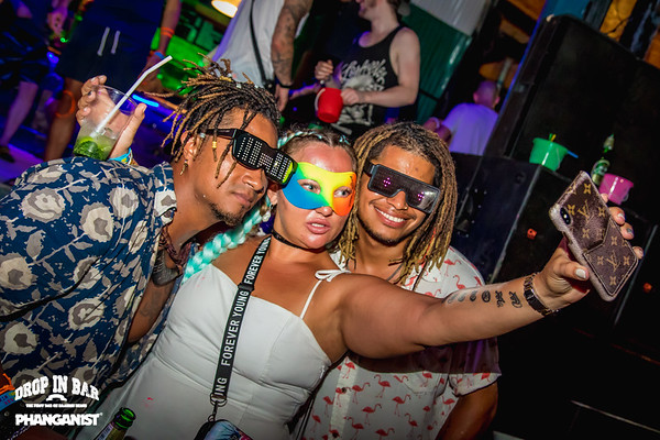 Drop In Bar Full Moon Party 09 January 2020