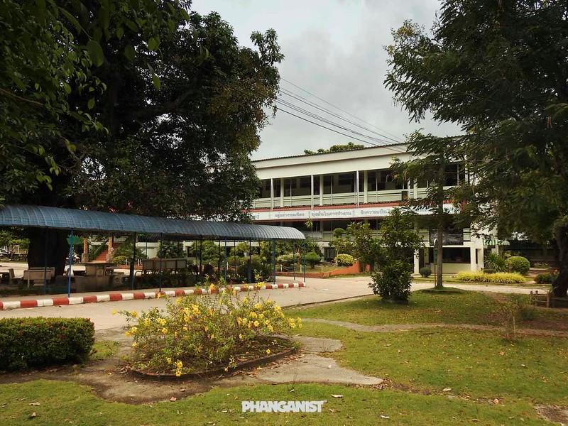 Thong Sala School
