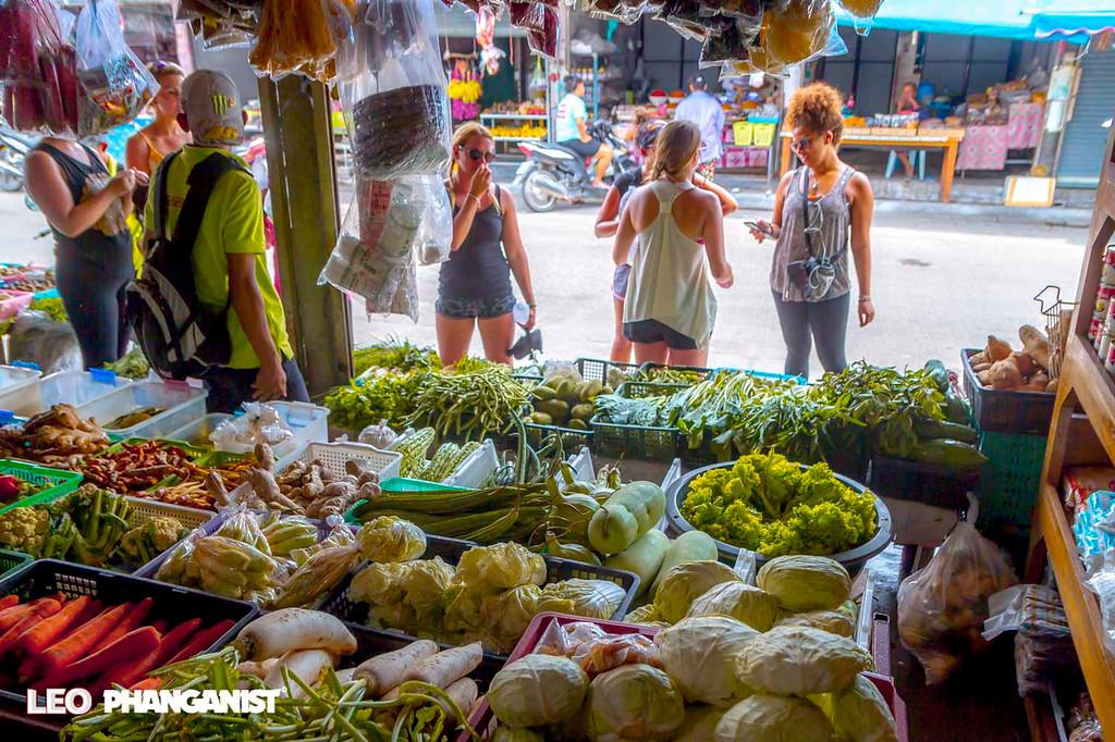 Fresh food market Thong Sala