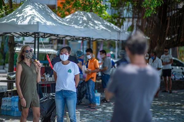 Free Food distribution by Run Phangan in Thong Sala - April 22