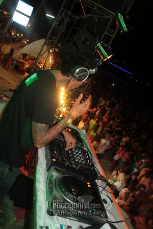 Full Moon Party at Tommy beach Club August 2012